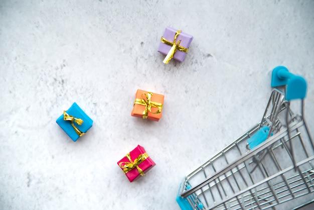 Caddie miniature avec mini cadeaux