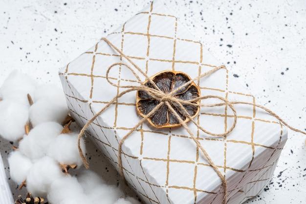 Cadeau écologique de noël blanc