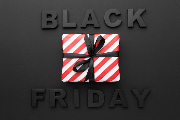Cadeau emballé pour les ventes du vendredi noir