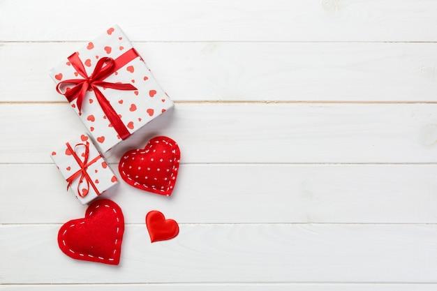 Cadeau de la saint-valentin dans la décoration de vacances, copyspace