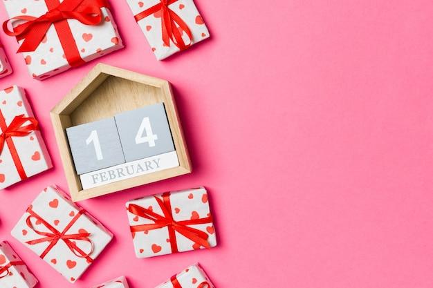 Cadeaux joyeux de la saint-valentin, copiez l'espace pour la conception.