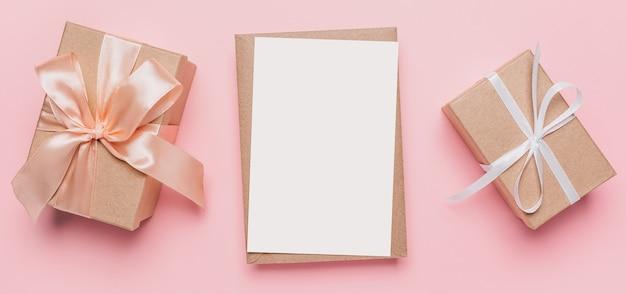Cadeaux avec lettre de note