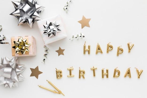 Cadeaux et message de joyeux anniversaire