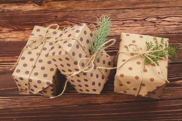 Cadeaux de noël décorés élégants