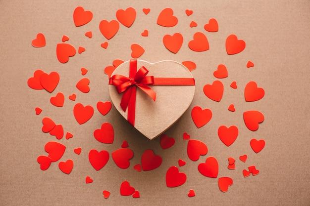 Cadeaux pour les amoureux. concept de la saint-valentin.