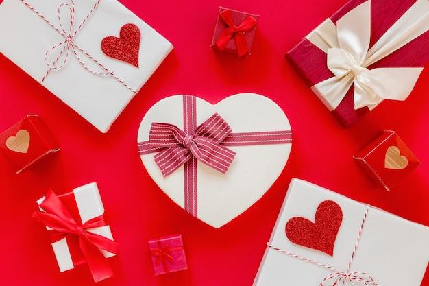 Cadeaux pour la saint valentin avec des coeurs