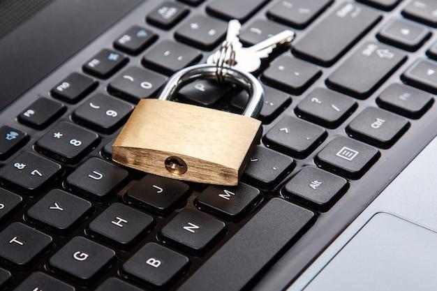 Cadenas sur clavier