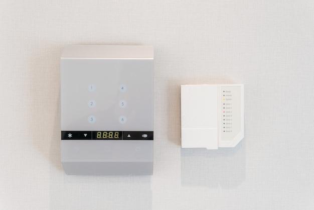 Cadran d'une alarme de propriété domestique avec boutons de fonction