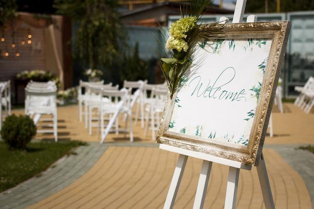 Cadre bienvenue à la cérémonie de mariage