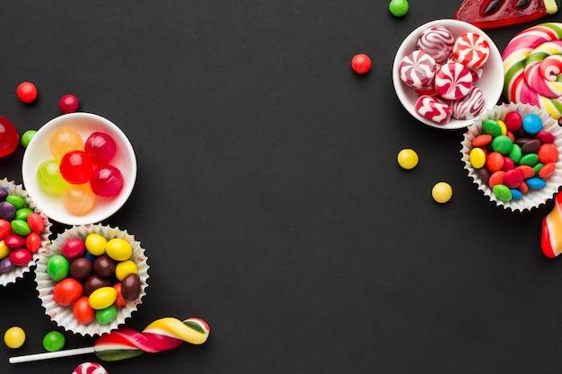 Cadre de bonbons vue de dessus avec espace copie