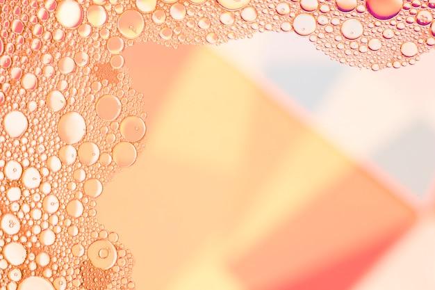 Cadre avec des bulles de saumon abstraites