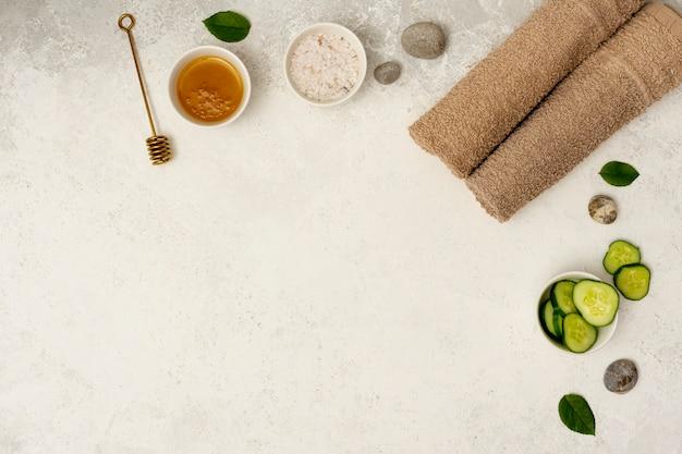 Cadre de concept de spa plat laïc avec copie-espace