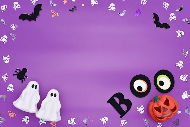 Cadre de confettis en forme de crânes araignées toiles d'araignées chauves-souris et fantômes