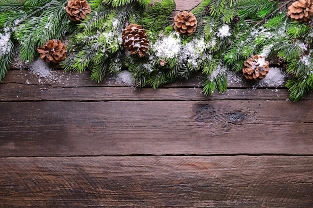 Cadre de décoration de noël sur fond de bois