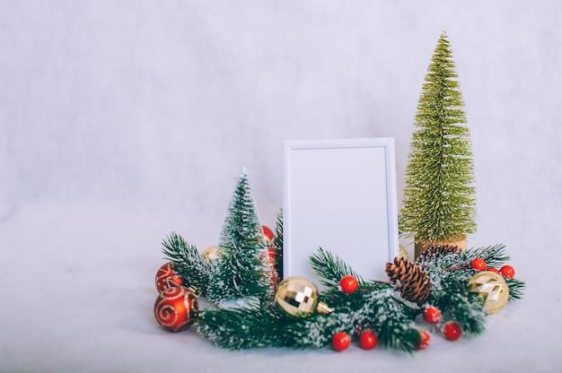 Cadre avec des décorations de noël