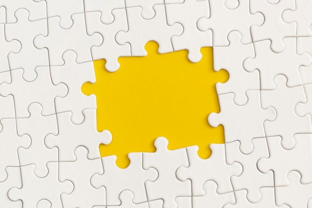 Le cadre du puzzle pour le texte.