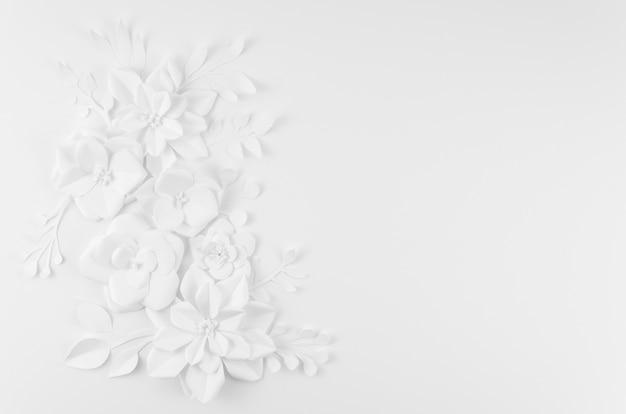 Cadre floral artistique avec fond blanc