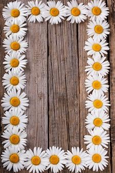 Cadre de fond de fleurs. bois vieilli