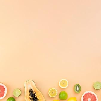 Cadre de fruits plat avec copie-espace