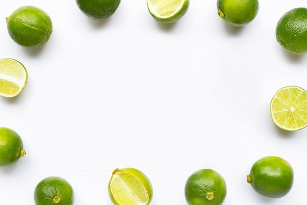Cadre en limes isolé sur blanc