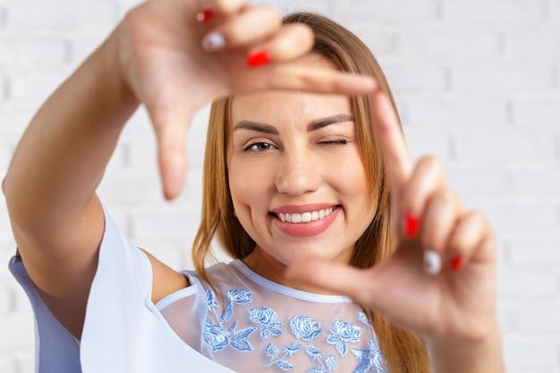 Cadre de main de femme
