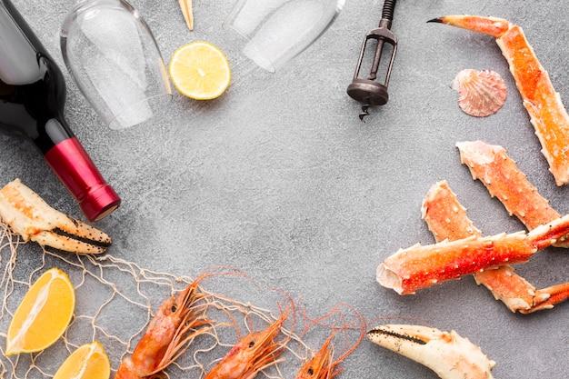 Cadre en mélange de fruits de mer frais et délicieux