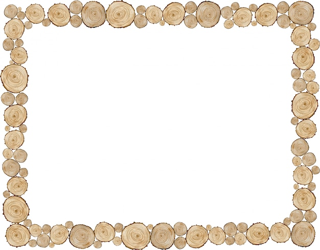 Cadre naturel en bois coupé. bordure faite d'anneaux d'arbre isolé sur fond blanc. modèle beige naturel rustique.