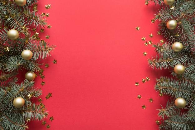Cadre de noël avec des branches de sapin
