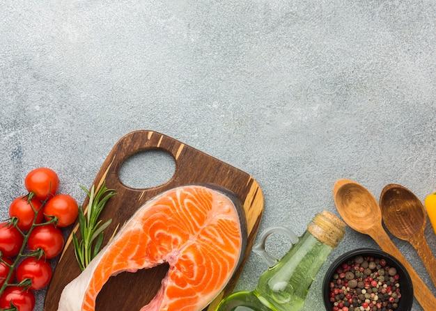 Cadre de nourriture pour poisson vue de dessus avec espace copie