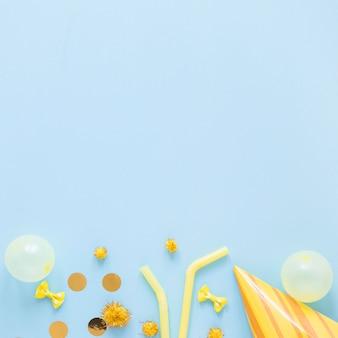 Cadre d'ornements jaune avec espace copie