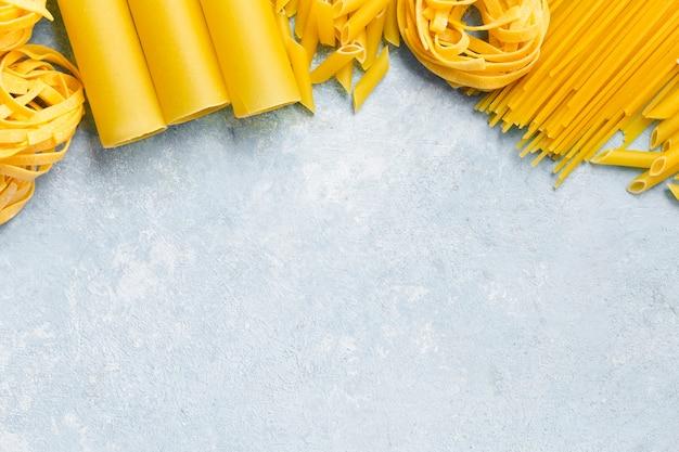 Cadre de pâtes italiennes différentes
