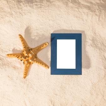 Cadre photo bleu et grosse étoile de mer