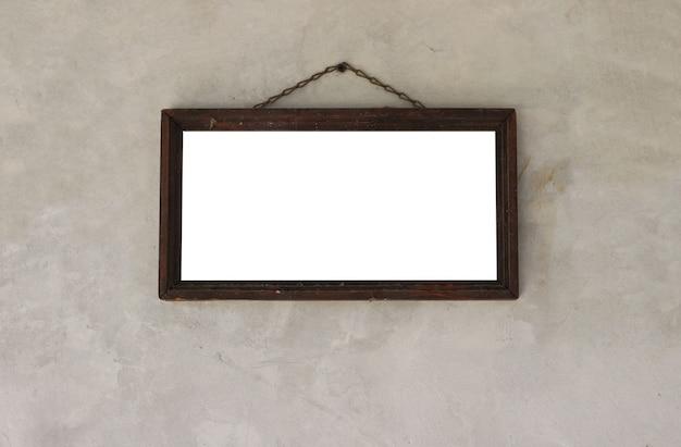 Cadre photo en bois avec espace vide pour photos ou œuvres d'art. accroché au mur