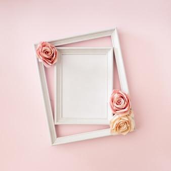 Cadre photo de mariage avec des roses