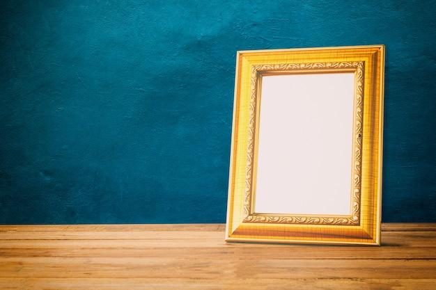 Cadre photo en or sur bois