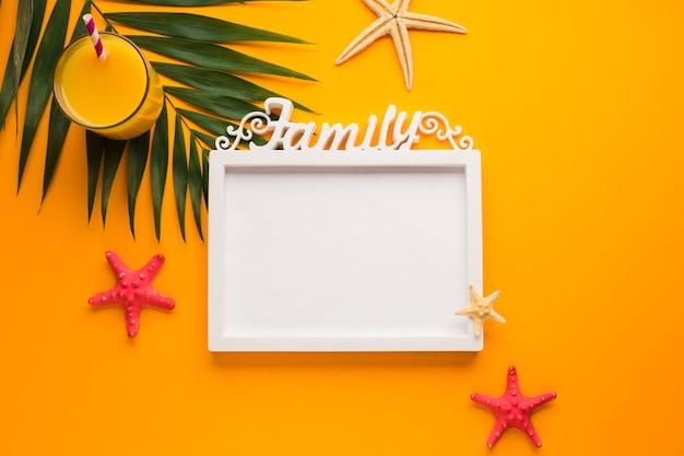 Cadre photo plat avec concept d'été