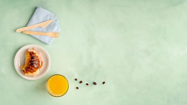 Cadre plat avec petit déjeuner et espace de copie savoureux