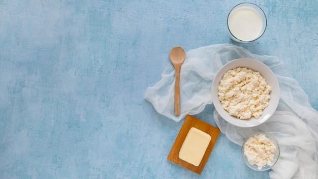 Cadre plat avec produits laitiers