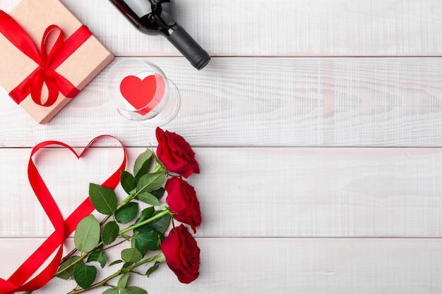 Cadre romantique pour le dîner de la saint-valentin