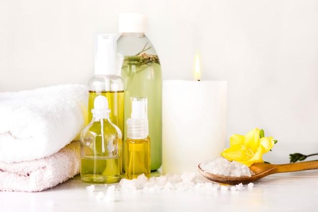 Cadre de spa avec de l'huile d'arôme, style vintage