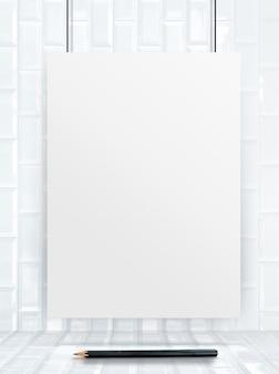 Cadre suspendu d'affiche de papier au mur et au plancher de carreaux de céramique,