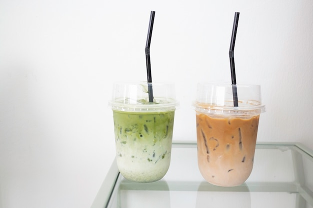 Café au lait glacé et boisson au thé vert, stock photo