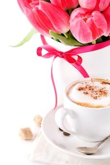 Café aux tulipes roses