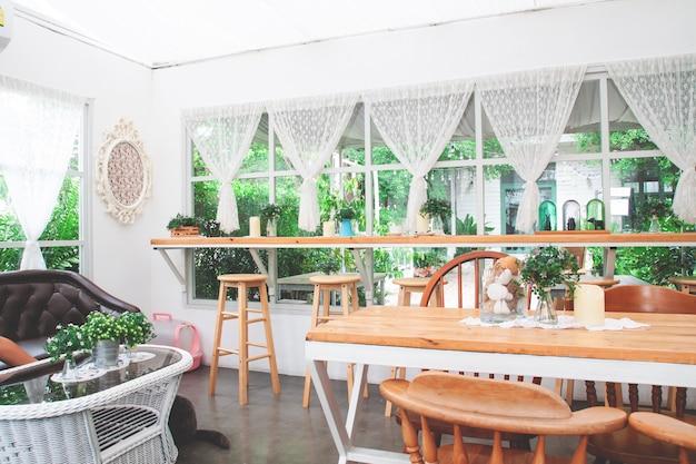 Café de boulangerie maison style vintage et confortable.