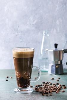 Café expresso à l'eau gazeuse