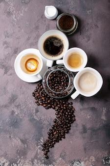 Café frais dans des tasses