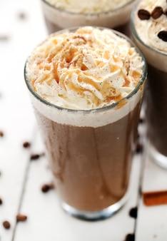 Café glacé à la crème fouettée