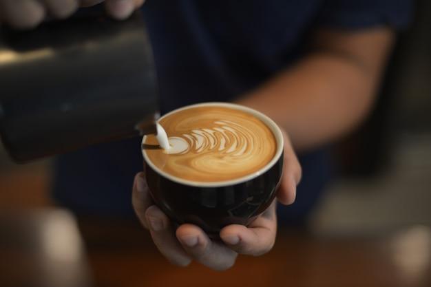 Café latte art par barista