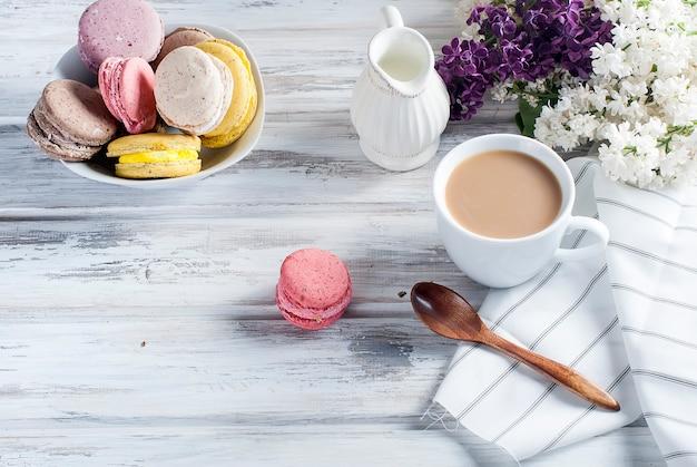 Café et macarons