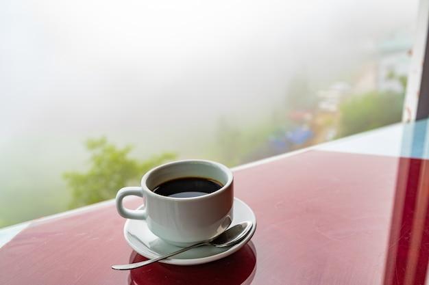 Café noir en coupe